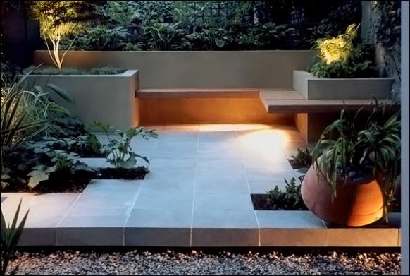 Modern-garden-patio-with-wrap-around-bench-582x391