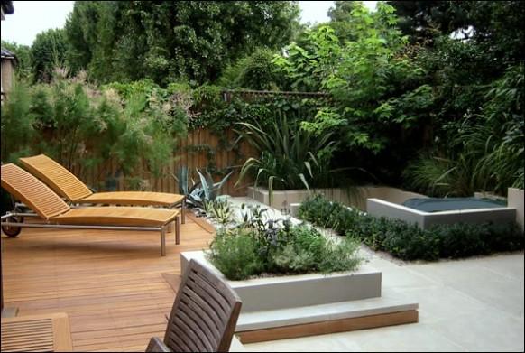 Modern-wooden-deck-with-beautiful-garden-582x391