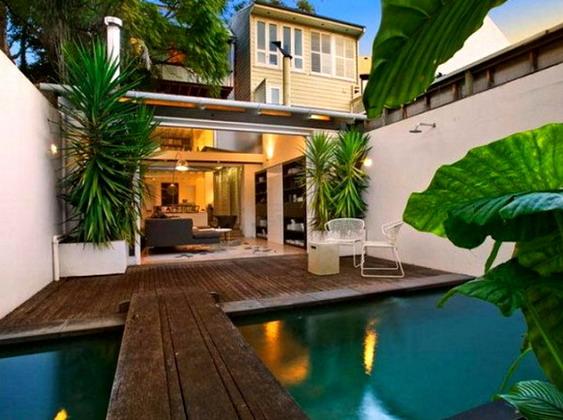 courtyard-pool-582x436
