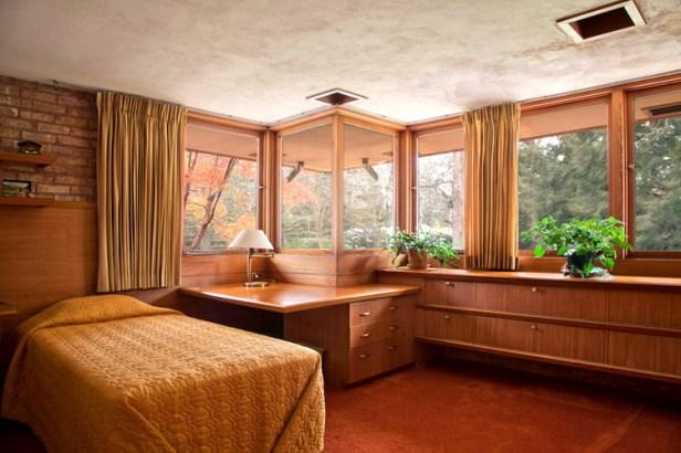 Kenneth Lauren House by Frank Lloyd Wright 06