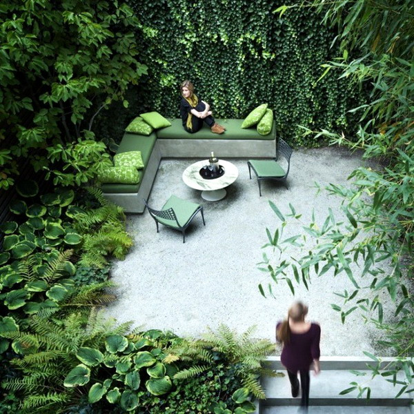 small-urban-garden-with-lots-of-green2-665x677