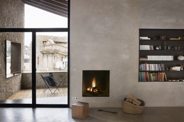Main-living-room-fire-place