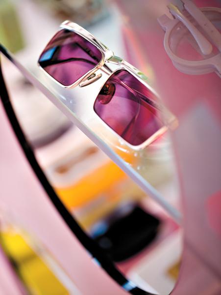 Karim-Rashid-eyeglass-interior-inspirations