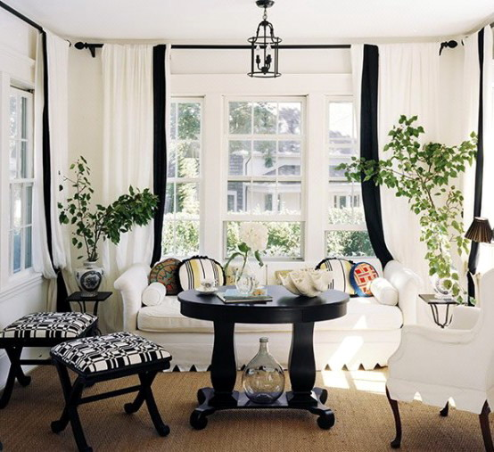 black-and-white-in-traditional-living-rooms-11