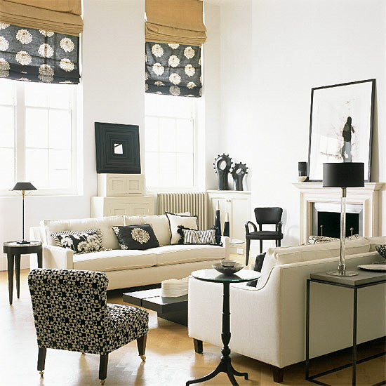 black-and-white-in-traditional-living-rooms-24