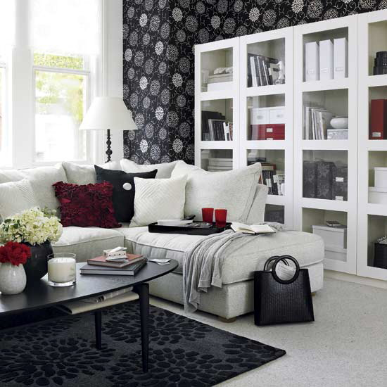 black-and-white-in-traditional-living-rooms-41