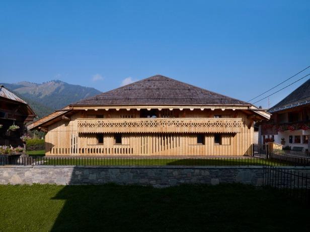 Villa Solaire by Jérémie Koempgen Architectects (JKA) + FUGA 03