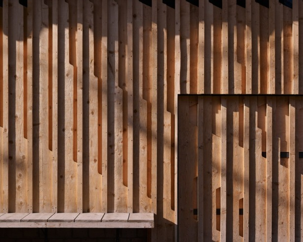 Villa Solaire by Jérémie Koempgen Architectects (JKA) + FUGA 07