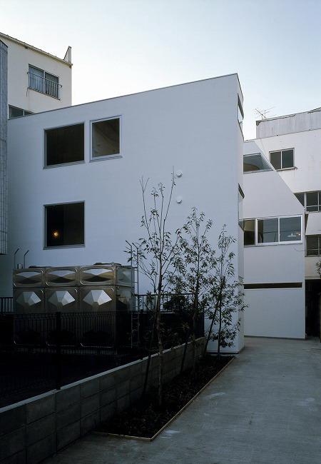 ne-apartments-by-yuji-nakae-akiyoshi-takagi-and-hirofumi-ohno-12