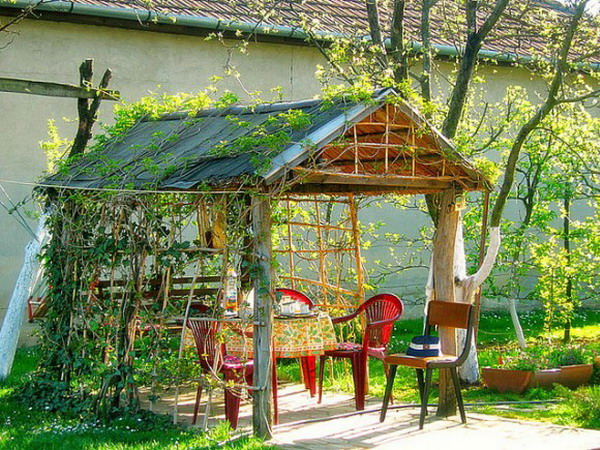Kientrucnhangoi-Beautiful-Gazeebo-in-backyard