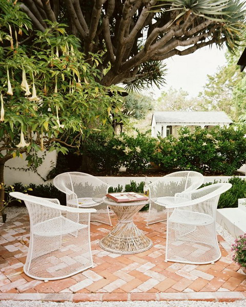 kientrucnhangoi-white-patio-furniture