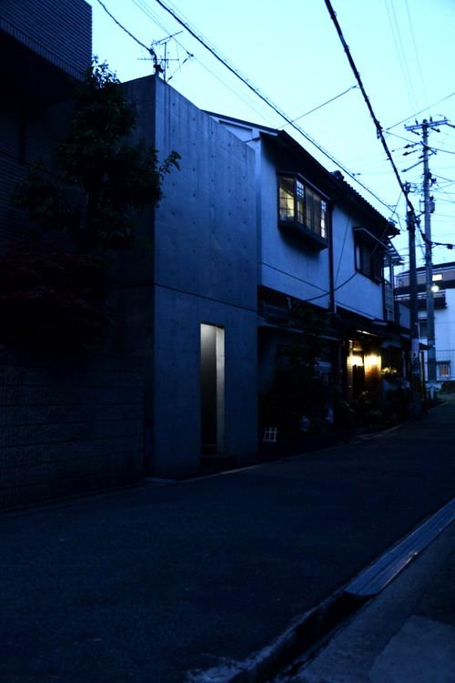Azuma House Japan by Tadao Ando 05-2