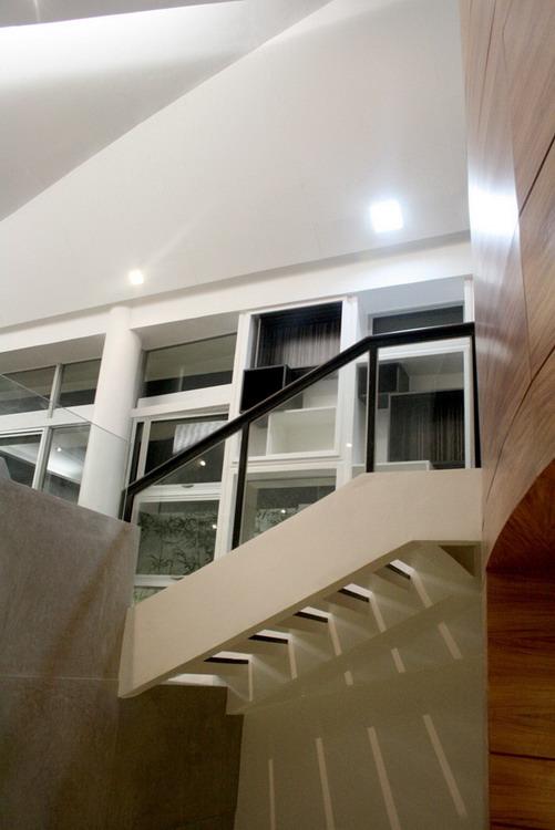 Kings-Road_Zubu_stairs4_pM