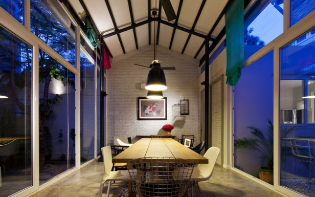 modern-tube-house-mimanystudio-real_dining_at_night