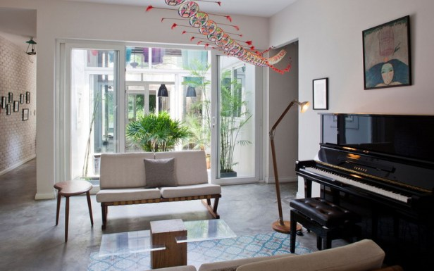 modern-tube-house-mimanystudio-real_living_open_2