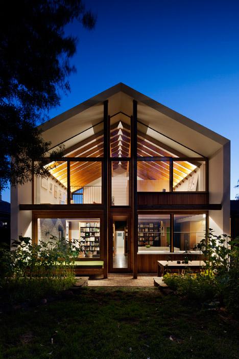 Dolls-House-by-BKK-Architects-photo-Shannon-McGrath_dezeen_468_12