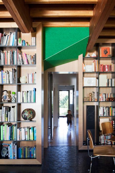 Dolls-House-by-BKK-Architects-photo-Shannon-McGrath_dezeen_468_6