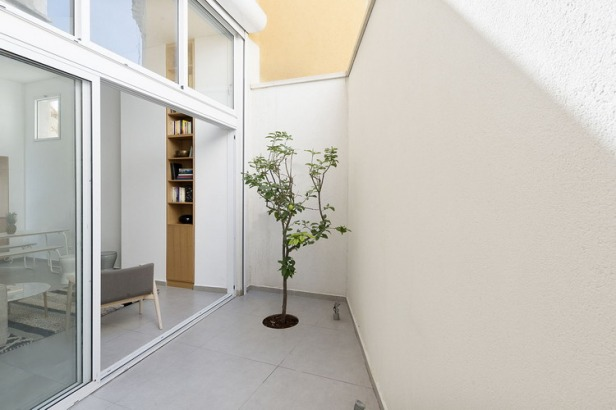 14_Itai_Palti_Architect_-_Jaffa_Garden_Apartment__Photo_Gidon_Levin