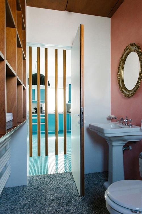 Nadja_bathroom_2nd_by_Yannis_Drakoulidis_01_med