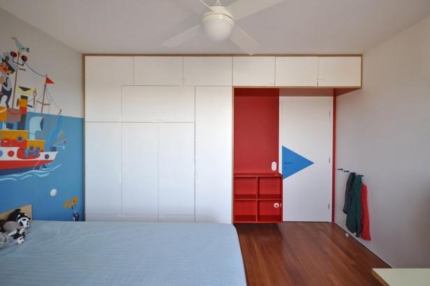Nadja_Childrens_bedroom_Red_01_by_Yannis_Drakoulidis_med