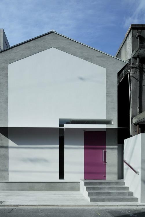 1315579056-house-a-002-r