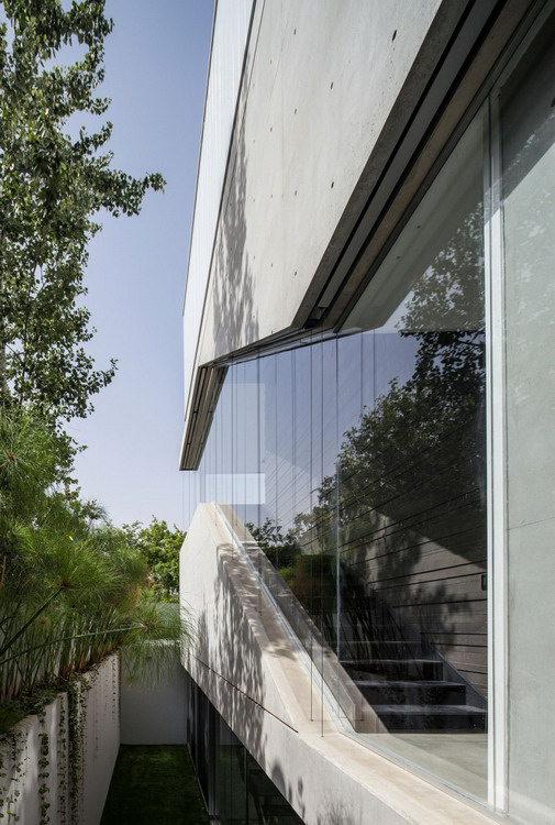 Stunning-Contemporary-Home-in-Ramat-Gan-13