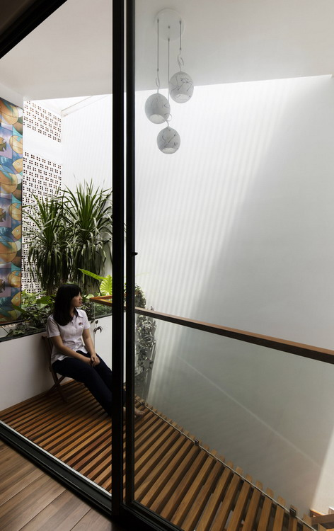 10._indoor_balcony