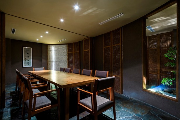 08_Big_Dining_room_OKI