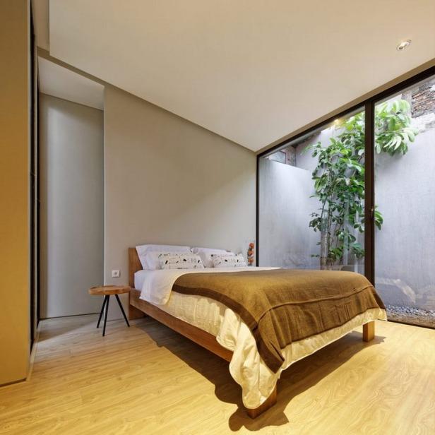13_-_Master_Bedroom