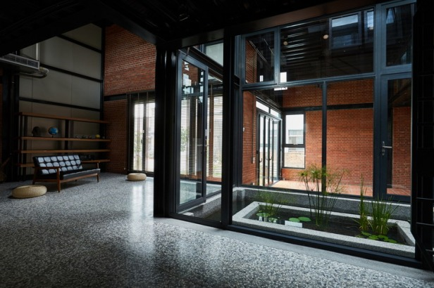 SPRING_HOUSE-Interior-01